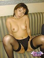 MILF japanese doing a striptease