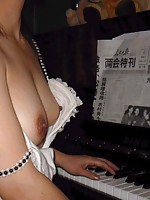 Asian Amateur wife naked at home