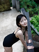 Airi Suzuki Asian walks on favorite streets exposing her curves